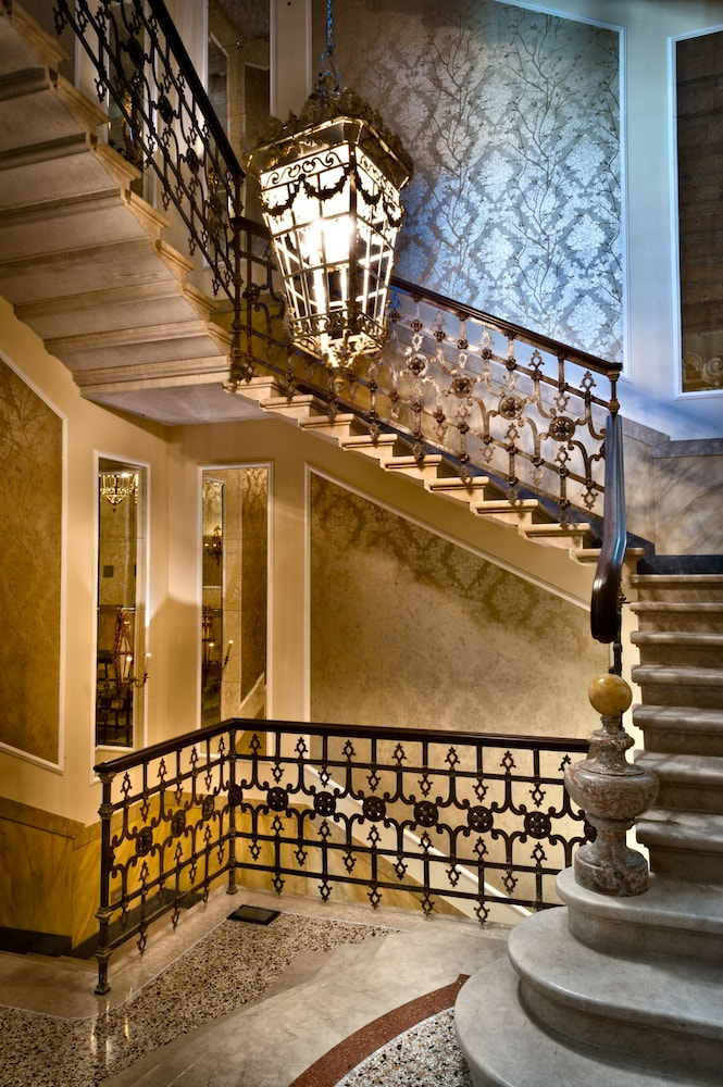 Staircase, Chateau Monfort
