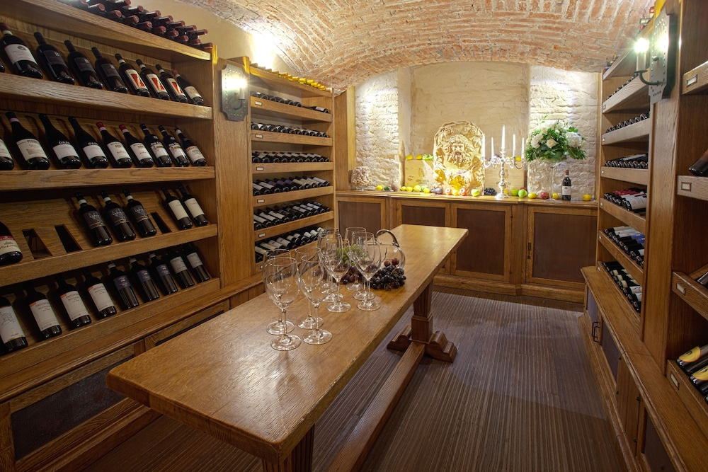 Tasting room, Chateau Monfort