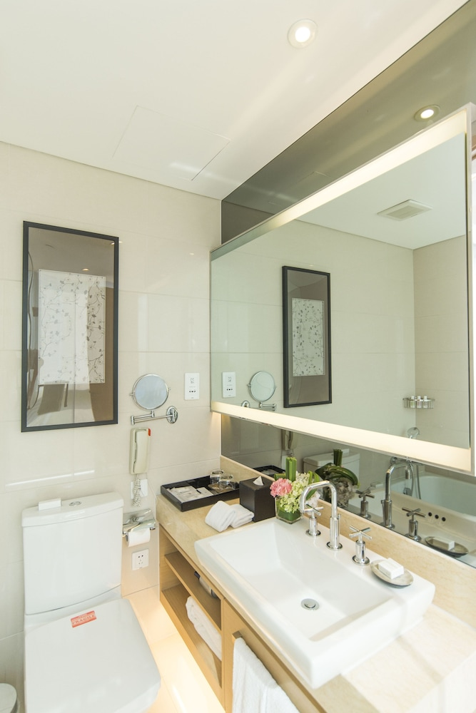 Bathroom, Fraser Suites Suzhou