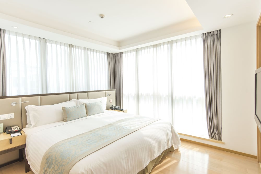 Room, Fraser Suites Suzhou