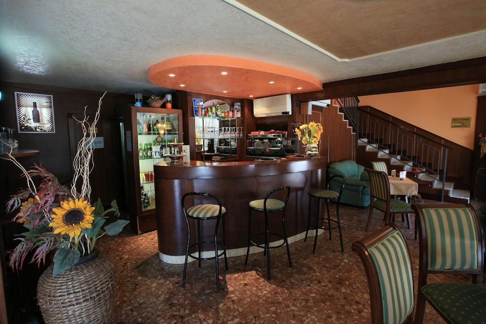 Lucera Hotel Villa Imperiale