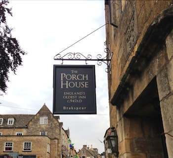 Digbeth Street, Stow on the Wold, Gloustershire GL54 1BN, England.