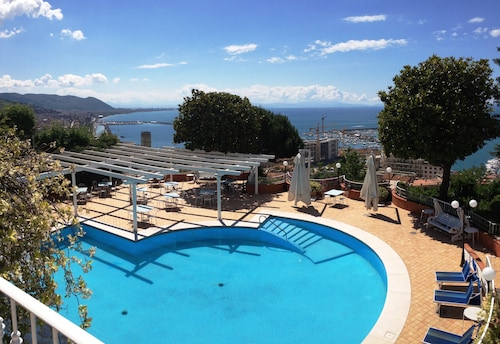 Villa Poseidon Boutique Hotel ****s & Events