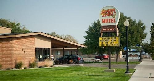 Great Place to stay Oregon Trail Inn near Buhl