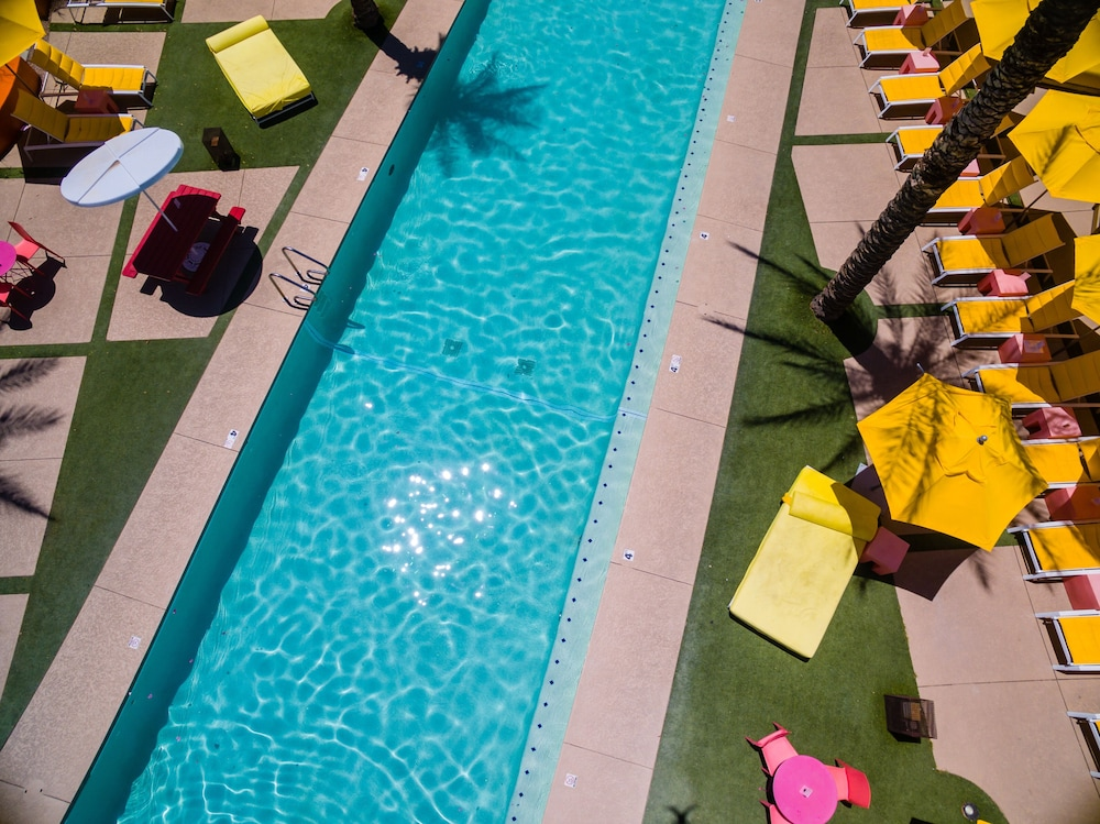 Outdoor Pool, The Saguaro Scottsdale
