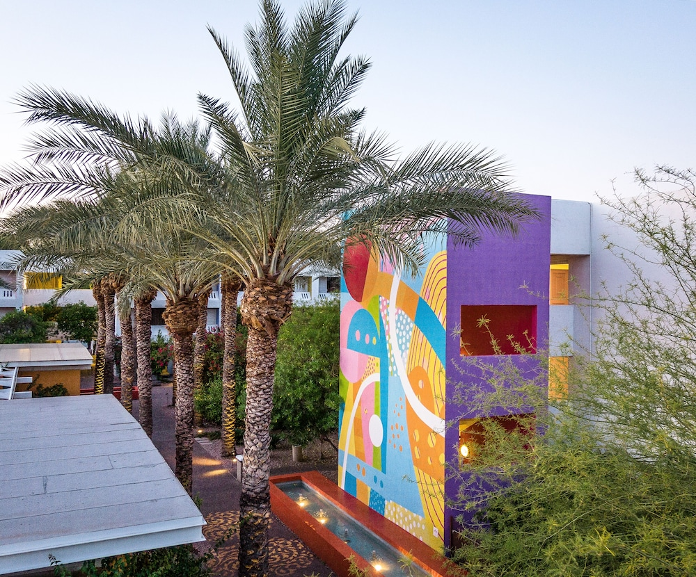Exterior detail, The Saguaro Scottsdale