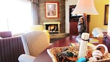 Arbors at Island Landing Hotel & Suites - Pigeon Forge Hotels
