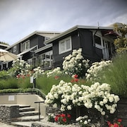 Queenstown House Boutique Bed & Breakfast & Apartments