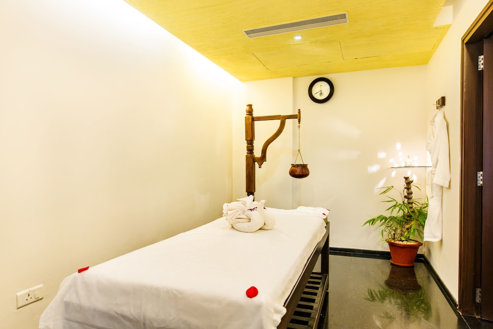 Spa, Flora Airport Hotel and Convention Centre Kochi