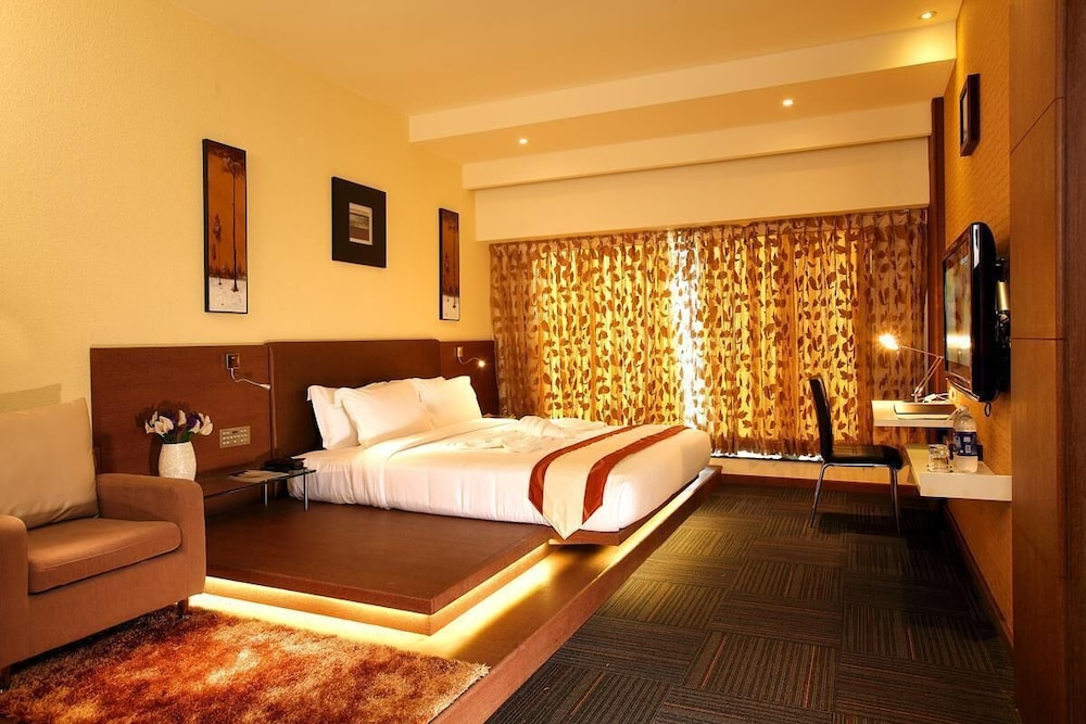Room, Flora Airport Hotel and Convention Centre Kochi