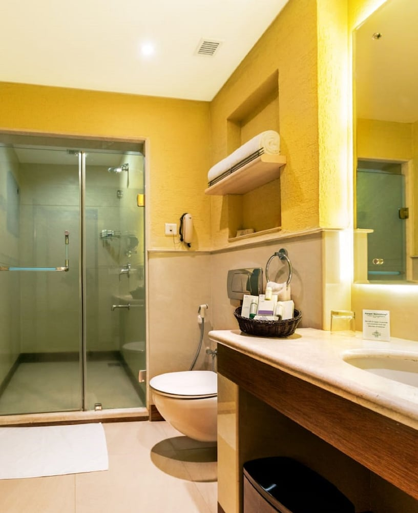 Bathroom, Flora Airport Hotel and Convention Centre Kochi