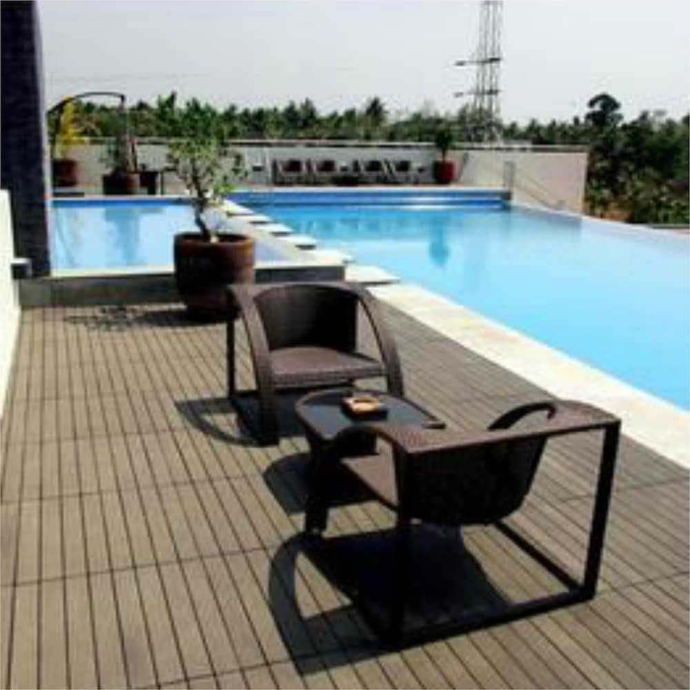 Terrace/Patio, Flora Airport Hotel and Convention Centre Kochi