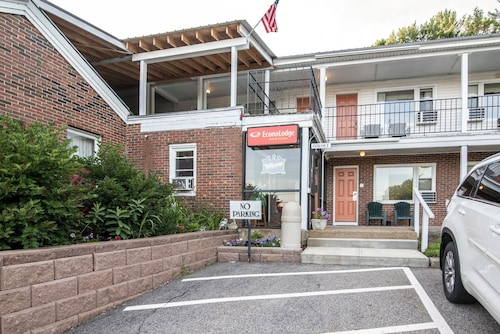Check Expedia for Availability of Econo Lodge Inn & Suites