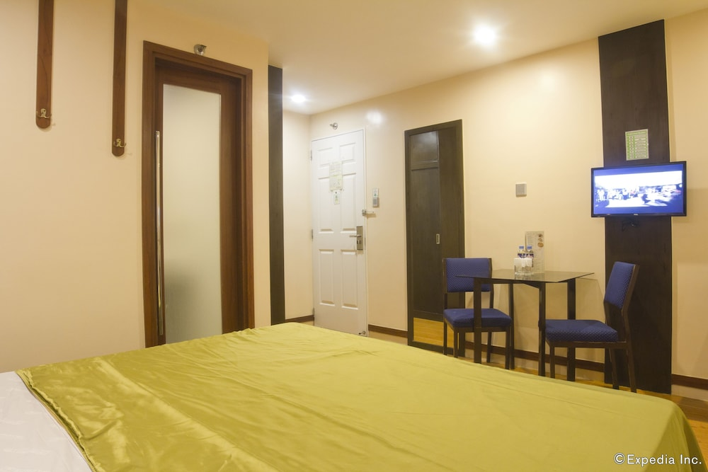 Room, Eurotel North Edsa