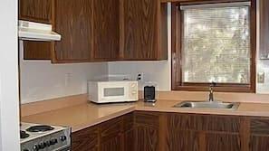Fridge, microwave