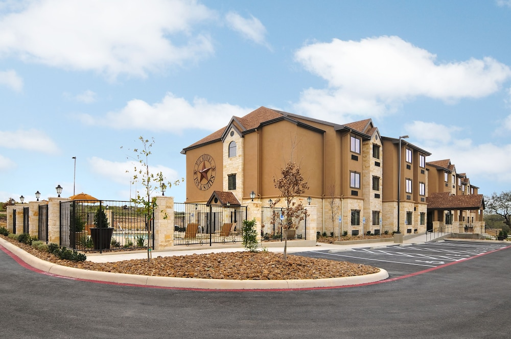 Exterior, Microtel Inn & Suites by Wyndham San Antonio by SeaWorld