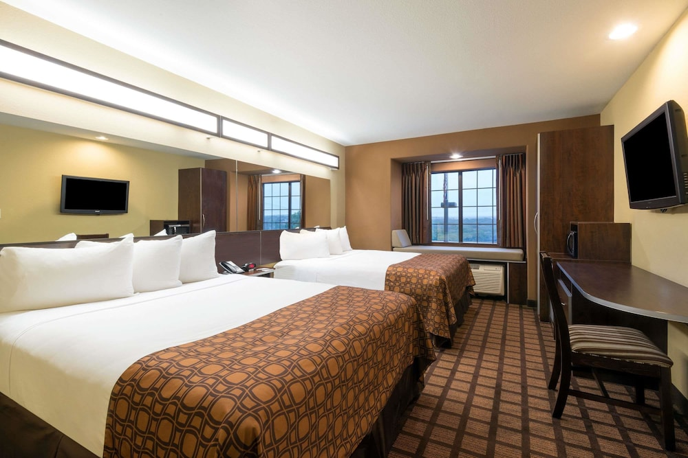 Room, Microtel Inn & Suites by Wyndham San Antonio by SeaWorld