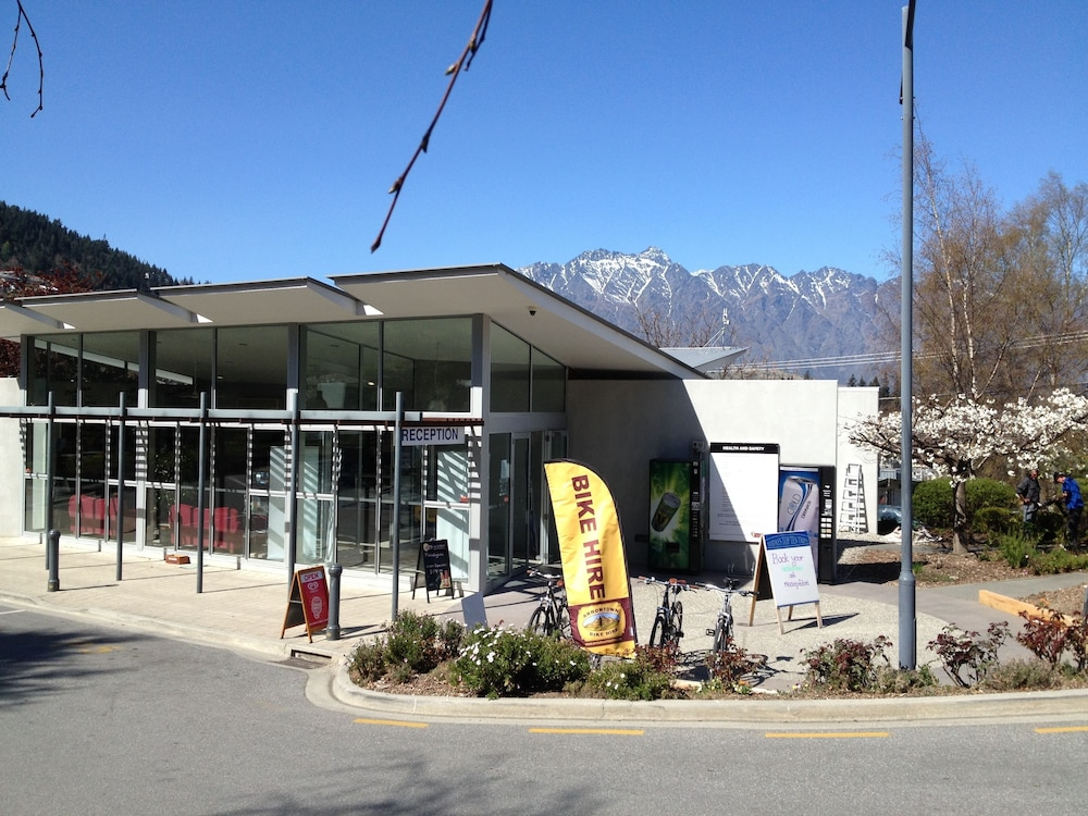 Exterior, Queenstown Lakeview Holiday Park