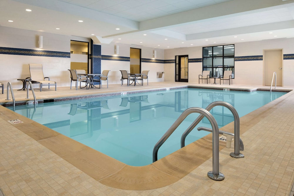 Pool, Hampton Inn & Suites Edgewood/Aberdeen-South, MD