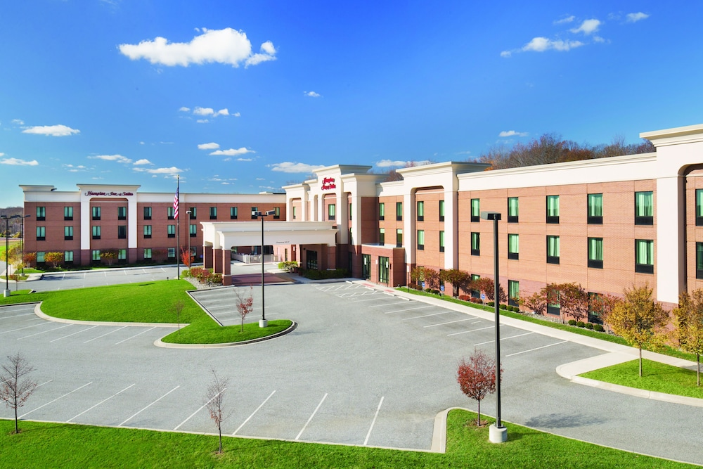 Parking, Hampton Inn & Suites Edgewood/Aberdeen-South, MD