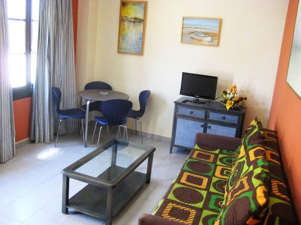 Living Room, Apartamentos Larga 70