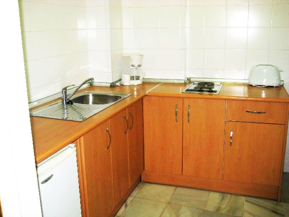 Private Kitchenette, Apartamentos Larga 70