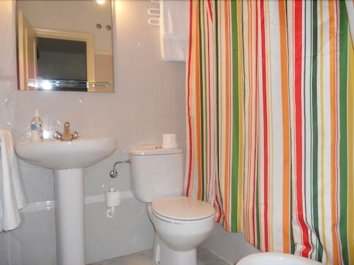 Bathroom, Apartamentos Larga 70