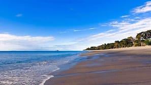 Aan het strand, vervoer van/naar het strand, ligstoelen aan het strand