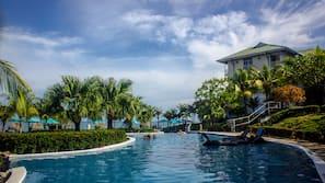 7 piscinas al aire libre, sombrillas, tumbonas
