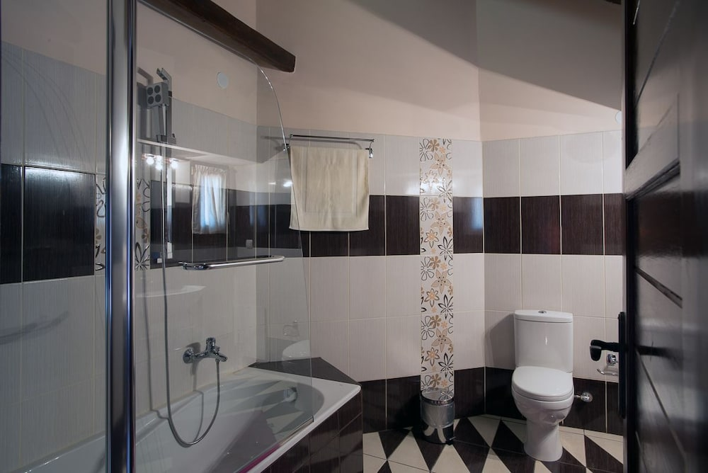 Bathroom, Mansion Terpou