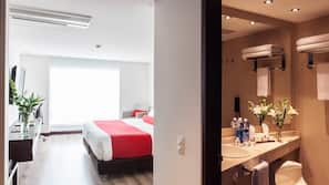 Down comforters, pillowtop beds, minibar, in-room safe