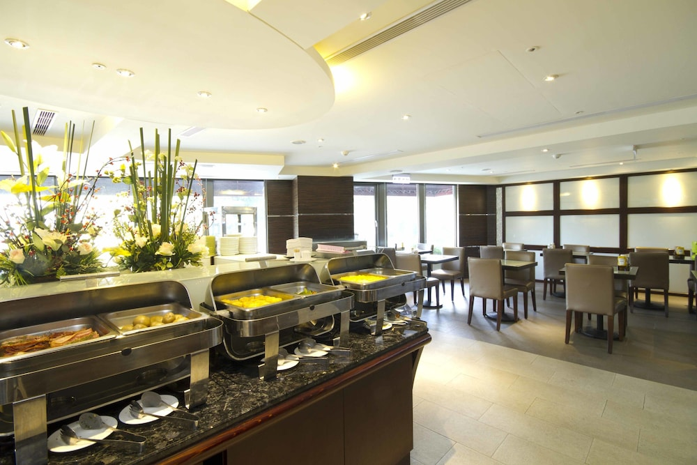 Book taichung charming city hotel taichung hotel deals for Charming hotel