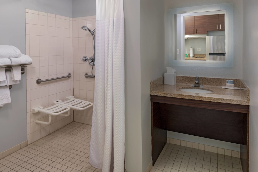 Bathroom, TownePlace Suites Monroe