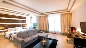 Premium bedding, down duvet, Select Comfort beds, minibar