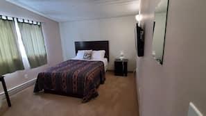 Premium bedding, pillowtop beds, free minibar, desk
