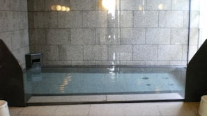 室内 SPA 浴缸