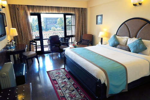 Country Inn & Suites by Radisson, Mussoorie