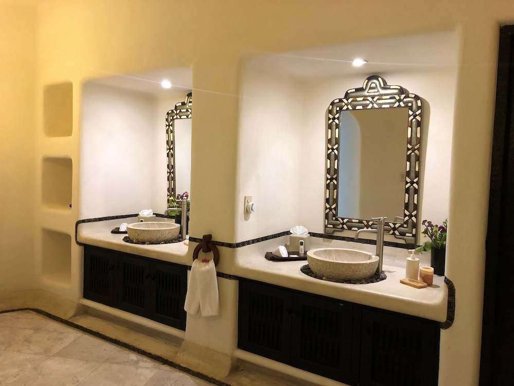 Bathroom, Tentaciones Hotel & Lounge Pool - Adults Only