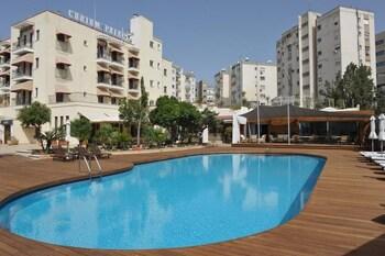 11, Byron Street, 3105 Limassol, Cyprus.