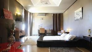 Hochwertige Bettwaren, Zimmersafe, Schreibtisch, kostenlose Babybetten