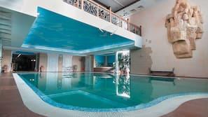 5 piscines couvertes, piscine extérieure
