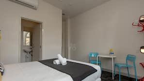 In-room safe, wheelchair access