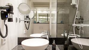 Dusche, Designer-Toilettenartikel, Haartrockner