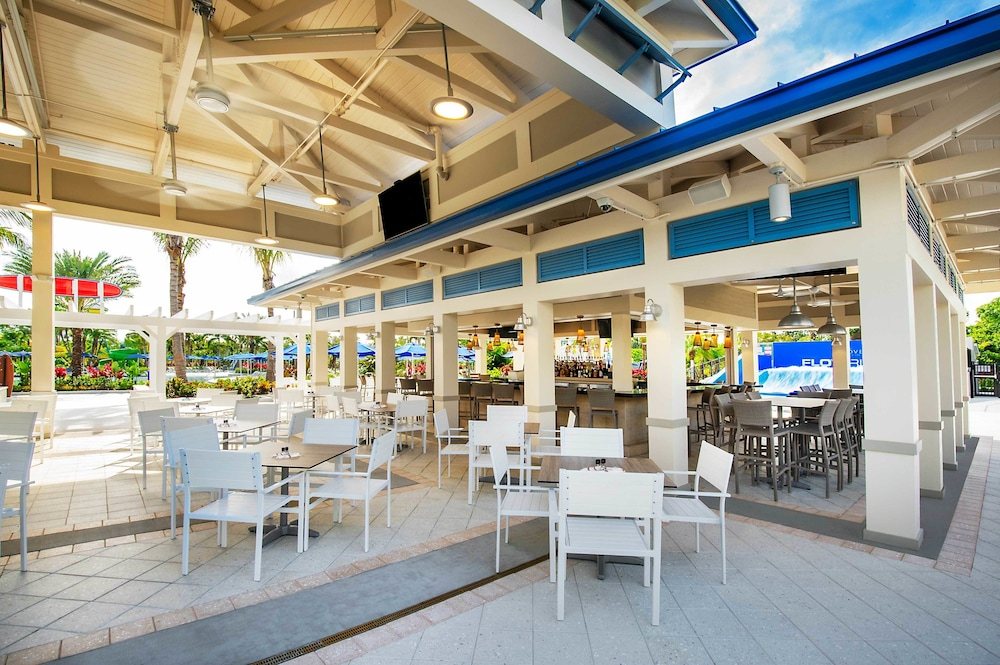 Family Dining, The Grove Resort & Water Park Orlando