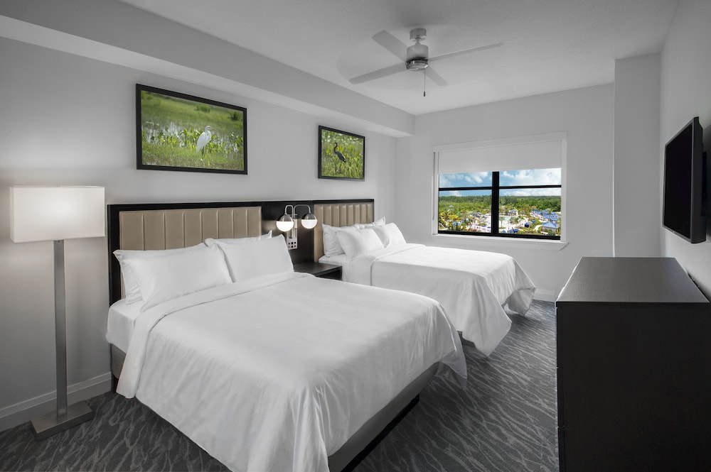 Room, The Grove Resort & Water Park Orlando