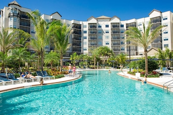 The Grove Resort & Spa Orlando - Spacious 1, 2 & 3-Bedroom Suites