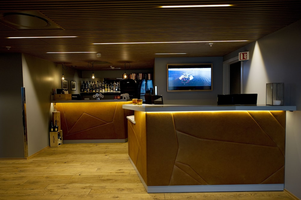 Reception, Svalbard Hotell | Polfareren