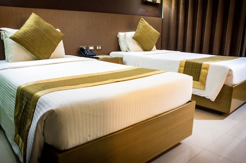 Hotels near Pasig River, Manila: Find Cheap $14 Hotel Deals