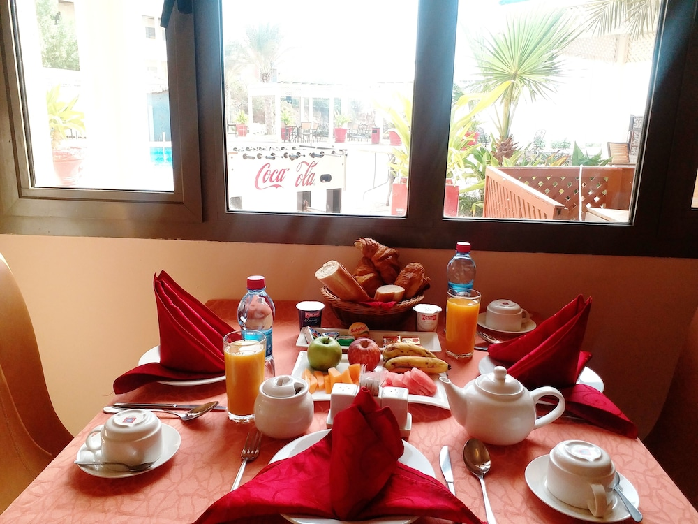Breakfast Area, Acacias Hotel