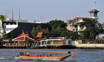 396/1 Tatien, Maharaj Road, Phraborommaharajawang, Phanakorn, Bangkok, Thailand.